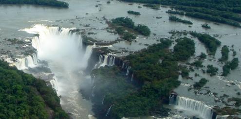 Cataratas do Iguaçu: lado brasileiro x argentino